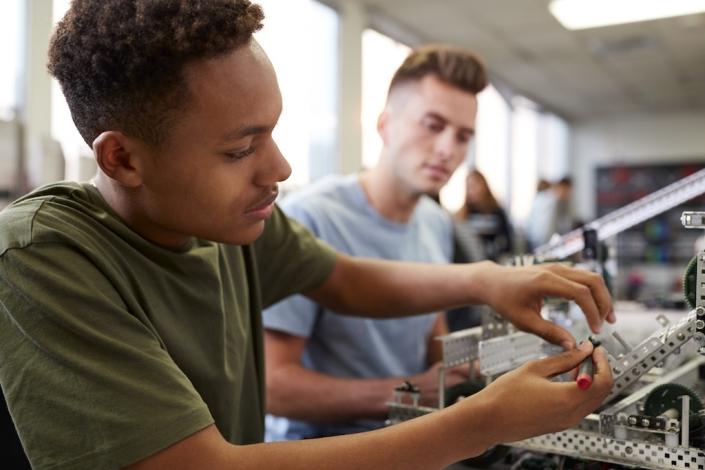 Ab 2020 wird die Uni Hildesheim Studenten bevorzugt an »bonus personal« als Arbeitgeber verweisen